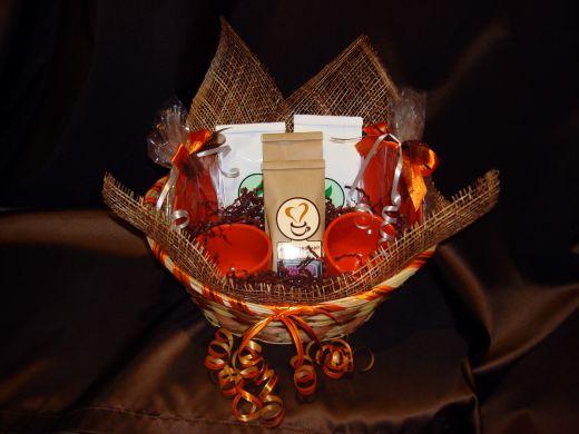 Корзина большая с 2-я чайными парами - подарочный набор №22